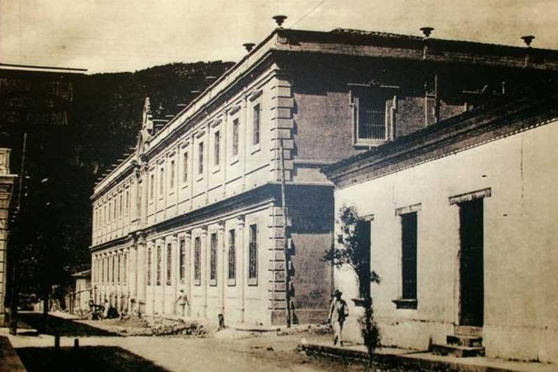 min-exhibiciones-edificio1